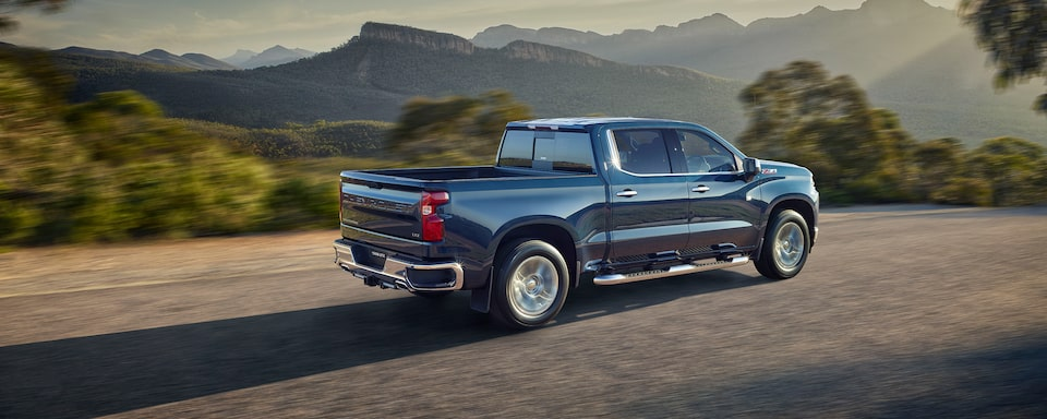Chevy Homepage: <Silverado 1500 LT side profile>